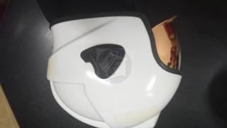 Výpredaj - prilba zásahová - číry zlatý štít  biela b0889e8697a